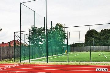 Producent ogrodzeń boisk: siatki na ogrodzenie boiska, ogrodzenie boiska szkolnego ( wielofunkcyjnego orlik ), ogrodzenie boiska piłkarskiego, w raz z montażem.