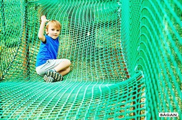 Siatki na parki linowe iplace zabaw - do zabezpieczenia w zabawie