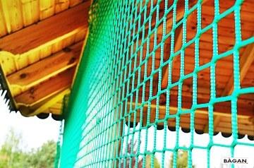 Siatka do zabezpieczenia altaniki przed piłkami, ptakami i innymi zwierzętami